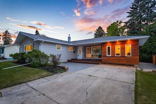 Main Photo: 720 80 Avenue SW in Calgary: Kingsland Detached for sale : MLS®# A1054949