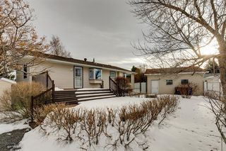 Photo 33: 220 Hunterbrook Place NW in Calgary: Huntington Hills Detached for sale : MLS®# A1059526