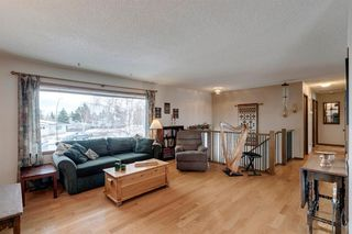 Photo 8: 220 Hunterbrook Place NW in Calgary: Huntington Hills Detached for sale : MLS®# A1059526