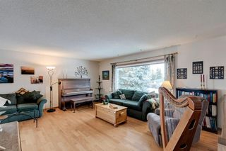 Photo 7: 220 Hunterbrook Place NW in Calgary: Huntington Hills Detached for sale : MLS®# A1059526