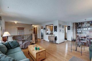 Photo 9: 220 Hunterbrook Place NW in Calgary: Huntington Hills Detached for sale : MLS®# A1059526