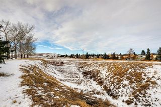 Photo 3: 220 Hunterbrook Place NW in Calgary: Huntington Hills Detached for sale : MLS®# A1059526