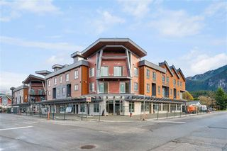 Photo 1: SL23 37830 THIRD Avenue in Squamish: Downtown SQ Townhouse for sale : MLS®# R2528766