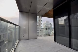"Photo 16: 1002 1480 HOWE Street in Vancouver: Yaletown Condo for sale in ""VANCOUVER HOUSE"" (Vancouver West)  : MLS®# R2451424"