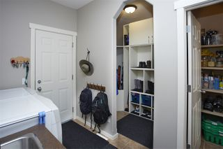 Photo 32: 1815 HOLMAN Crescent in Edmonton: Zone 14 House for sale : MLS®# E4202220