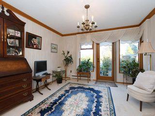 Photo 3: 161 2345 Cedar Hill Cross Rd in Oak Bay: OB Henderson Row/Townhouse for sale : MLS®# 841348