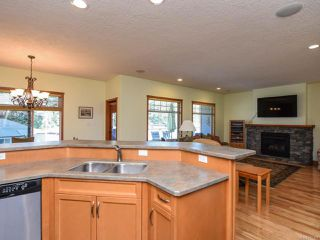 Photo 12: 2441 Tutor Dr in COMOX: CV Comox (Town of) Single Family Detached for sale (Comox Valley)  : MLS®# 845329