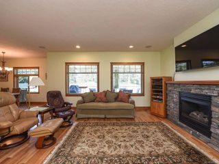 Photo 9: 2441 Tutor Dr in COMOX: CV Comox (Town of) Single Family Detached for sale (Comox Valley)  : MLS®# 845329