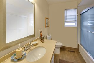 Photo 14: 2322 KIRKSTONE Road in North Vancouver: Lynn Valley House for sale : MLS®# R2478995
