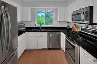 Photo 4: 2322 KIRKSTONE Road in North Vancouver: Lynn Valley House for sale : MLS®# R2478995
