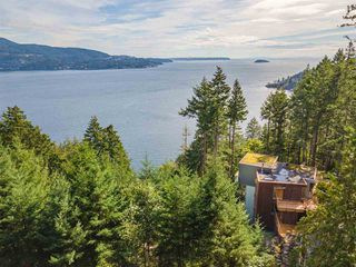 Photo 2: 231 HIGHLAND Trail: Bowen Island House for sale : MLS®# R2506552