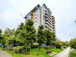 Photo 1: 601 9025 HIGHLAND COURT in Burnaby: Simon Fraser Univer. Condo for sale (Burnaby North)  : MLS®# R2506952