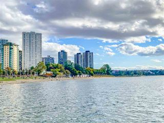 "Photo 14: 1203 1995 BEACH Avenue in Vancouver: West End VW Condo for sale in ""HUNTINGTON WEST"" (Vancouver West)  : MLS®# R2528522"