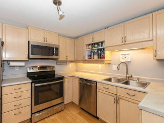 "Photo 9: 215 3400 SE MARINE Drive in Vancouver: Champlain Heights Condo for sale in ""Tiffany Ridge"" (Vancouver East)  : MLS®# R2392821"