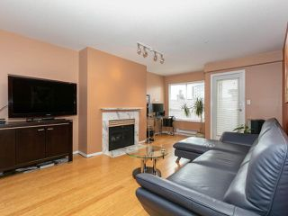 "Photo 2: 215 3400 SE MARINE Drive in Vancouver: Champlain Heights Condo for sale in ""Tiffany Ridge"" (Vancouver East)  : MLS®# R2392821"