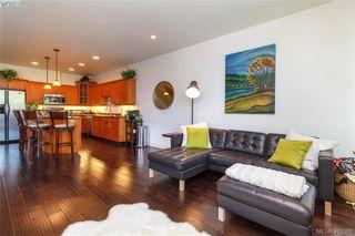 Photo 7: 2520 Cedar Hill Rd in VICTORIA: Vi Oaklands Half Duplex for sale (Victoria)  : MLS®# 825982