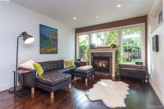 Photo 5: 2520 Cedar Hill Rd in VICTORIA: Vi Oaklands Half Duplex for sale (Victoria)  : MLS®# 825982