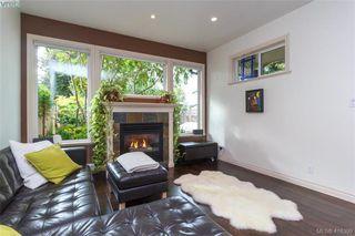 Photo 6: 2520 Cedar Hill Rd in VICTORIA: Vi Oaklands Half Duplex for sale (Victoria)  : MLS®# 825982