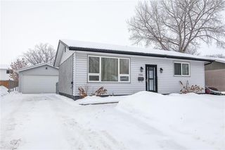 Photo 1: 796 Isbister Street in Winnipeg: Crestview Residential for sale (5H)  : MLS®# 202002095