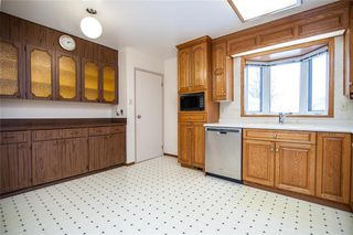 Photo 4: 796 Isbister Street in Winnipeg: Crestview Residential for sale (5H)  : MLS®# 202002095