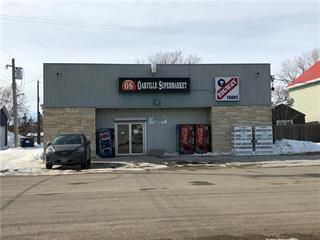 Photo 1: 111 2nd Street in Oakville: Industrial / Commercial / Investment for sale (R38 - RM of Portage la Prairie)  : MLS®# 202004326