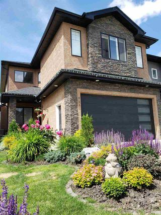 Photo 1: 251 ALBANY Drive in Edmonton: Zone 27 House for sale : MLS®# E4192846