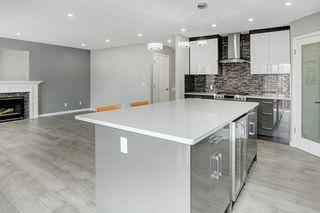 Photo 3: 80 EDGERIDGE View NW in Calgary: Edgemont Detached for sale : MLS®# C4293479