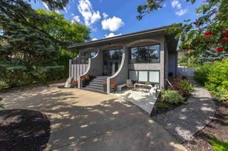 Photo 2: 84 VALLEYVIEW Crescent in Edmonton: Zone 10 House for sale : MLS®# E4200040