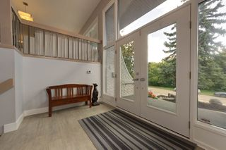 Photo 3: 84 VALLEYVIEW Crescent in Edmonton: Zone 10 House for sale : MLS®# E4200040