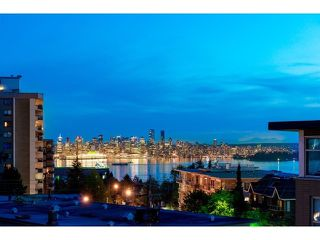 "Photo 2: PH10 1288 CHESTERFIELD Avenue in North Vancouver: Central Lonsdale Condo for sale in ""Alina"" : MLS®# R2479203"
