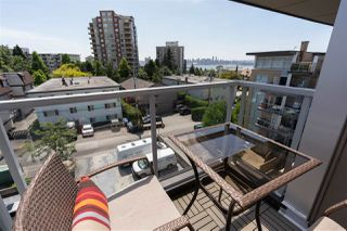 "Photo 30: PH10 1288 CHESTERFIELD Avenue in North Vancouver: Central Lonsdale Condo for sale in ""Alina"" : MLS®# R2479203"