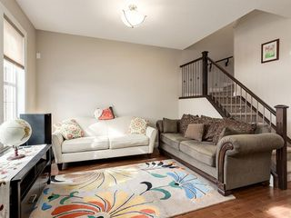 Photo 3: 292 QUARRY PARK Boulevard SE in Calgary: Douglasdale/Glen Row/Townhouse for sale : MLS®# A1019279