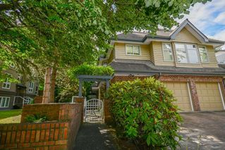 "Photo 3: 3934 LINWOOD Street in Burnaby: Burnaby Hospital Townhouse for sale in ""CASCADE VILLAGE"" (Burnaby South)  : MLS®# R2489487"