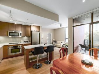 "Photo 8: 301 531 BEATTY Street in Vancouver: Downtown VW Condo for sale in ""METROLIVING"" (Vancouver West)  : MLS®# R2506076"