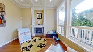 Photo 5: 5353 SPETIFORE Crescent in Delta: Tsawwassen Central House for sale (Tsawwassen)  : MLS®# R2506215