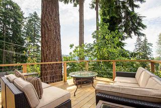 Photo 3: 500 REED Road in Gibsons: Gibsons & Area House for sale (Sunshine Coast)  : MLS®# R2388900