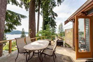 Photo 2: 500 REED Road in Gibsons: Gibsons & Area House for sale (Sunshine Coast)  : MLS®# R2388900