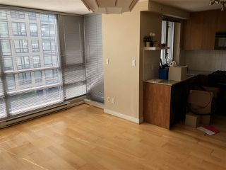 Photo 9: 704 1030 W BROADWAY in Vancouver: Fairview VW Condo for sale (Vancouver West)  : MLS®# R2390082