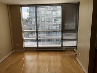 Photo 5: 704 1030 W BROADWAY in Vancouver: Fairview VW Condo for sale (Vancouver West)  : MLS®# R2390082