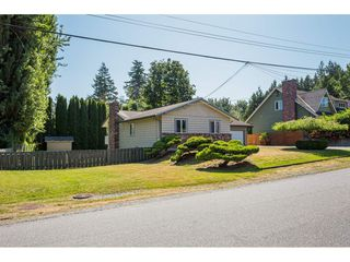 Photo 2: 31570 MONTE VISTA Crescent in Abbotsford: Abbotsford West House for sale : MLS®# R2394949