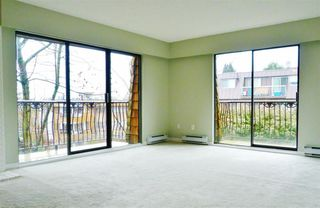 Photo 2: 302 1721 ST. GEORGES AVENUE in North Vancouver: Home for sale : MLS®# R2142363