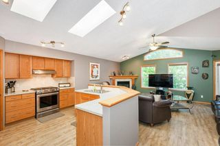 Photo 10: 1734 THORBURN Drive SE: Airdrie Detached for sale : MLS®# C4281288