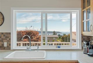Photo 5: 216 S McLean St in : CR Campbell River South House for sale (Campbell River)  : MLS®# 852410