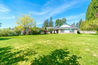 Photo 2: 7185 205 Street in Langley: Willoughby Heights House for sale : MLS®# R2500889