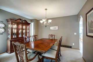 Photo 6: 260 Douglasbank Place SE in Calgary: Douglasdale/Glen Detached for sale : MLS®# A1042919
