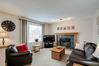 Photo 10: 260 Douglasbank Place SE in Calgary: Douglasdale/Glen Detached for sale : MLS®# A1042919