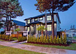 Main Photo: 2827 E 43 Avenue in Vancouver: Killarney VE 1/2 Duplex for sale (Vancouver East)  : MLS®# R2524146