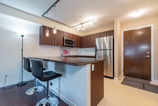Photo 7: 201 7337 MACPHERSON Avenue in Burnaby: Metrotown Condo for sale (Burnaby South)  : MLS®# R2393048