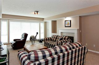 """Photo 9: 71 4001 OLD CLAYBURN Road in Abbotsford: Abbotsford East Townhouse for sale in """"Cedar Springs"""" : MLS®# R2411432"""