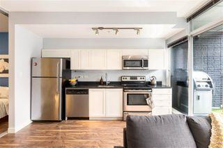 Photo 3: 305 2511 QUEBEC STREET in Vancouver: Mount Pleasant VE Condo for sale (Vancouver East)  : MLS®# R2445653